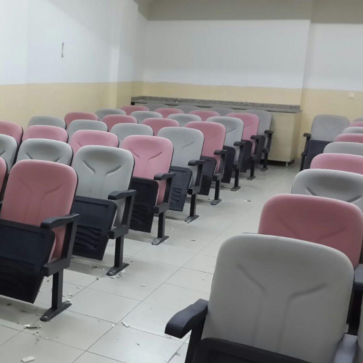 Okul Konferans Koltuğu