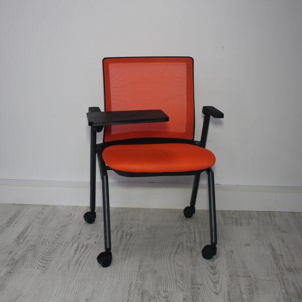 Yazı tablalı seminer sandalyesi