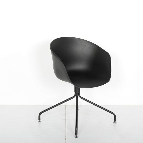 Krom Boru Ayaklı Plastik Sandalye Solid 23