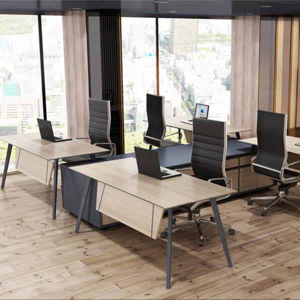 Ofis Masası Grup Çalışması Slide